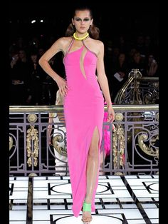Versace dress x awesome colour