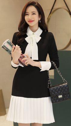 StyleOnme_Ribbon Neck Tie Pleated Hem Dress #blackandwhite #classy #ribbon #dress #koreanfashion #kstyle #kfashion #seoul