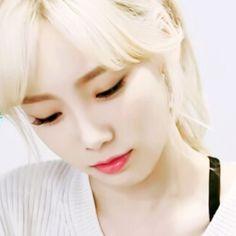 via | pikataeng19 IG #taeyeon #snsd