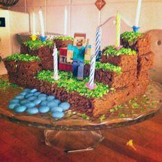 Så här gör du en Minecraft-tårta Minecraft Party, Birthday, Crafts, Fika, Birthdays, Manualidades, Handmade Crafts, Craft, Arts And Crafts
