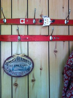 quirky, eccentric decor, vignette, accessories, ugly chic, cottage, eclectic, charming, DIY idea, hooks, ski, retro