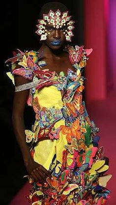 Don't tell me it's about the butterflies. [Butterfly dresses by Manish Arora Butterfly Fashion, Butterfly Dress, Butterfly Design, Manish Fashion, India Fashion, Advanced Higher Art, Ugly Outfits, Manish Arora, High Art