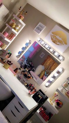 Makeup Organizer On Wheels. Makeup Brushes In Store these Makeup Bag Canvas enough Makeup Vanity Flip Top Mirror at Vanity Makeup Table Puerto Rico Beauty Room Decor, Makeup Room Decor, Makeup Rooms, Ikea Bedroom, Room Ideas Bedroom, Bedroom Decor, Cute Room Decor, Cute Room Ideas, Vanity Set With Lights