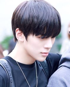 serious minhyuk~ (cr: watermelonmin) feel free to comment/DM aesthetic suggestions! ✨✨ #monstax #monbebe #monstaxminhyuk #leeminhyuk #minhyuk