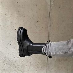 Sock Shoes, Cute Shoes, Me Too Shoes, Chunky Boots, Platform Boots, Bottega Veneta, Rubber Rain Boots, Combat Boots, Street Style