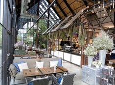 Air Space Khao Takiap Hua Hin serves coffee and all-day breakfast at the Cafe and serves seafood and Thai cuisine at the Restaurant.