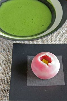 Wagashi and Matcha tea Japanese Matcha Tea, Japanese Wagashi, Matcha Green Tea, Japanese Food Art, Japanese Cake, Japanese Sweets, Japanese Pastries, Tapas, Japanese Tea Ceremony