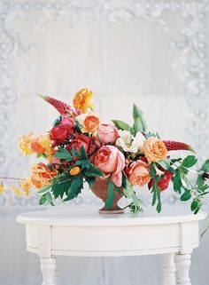 Peachy-pink centerpiece