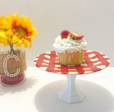 Mini cake stand, small cake stand, picnic party, red and white, dessert stand by CocktailNConfettiCo on Etsy https://www.etsy.com/listing/461771182/mini-cake-stand-small-cake-stand-picnic