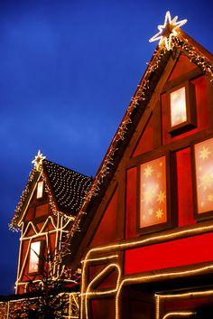 CHEZ SOI | Les plus belles maison de Noël #deco #Noel #maison ©iStock