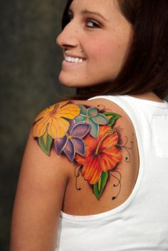 Ideas For Tattoo Ideas Shoulder Inspiration Tatoo Cool Shoulder Tattoos, Shoulder Tattoos For Women, Flower Tattoo Shoulder, Rose Tattoos, Body Art Tattoos, New Tattoos, Tribal Tattoos, Tattoo Ink, Hawaii Tattoos