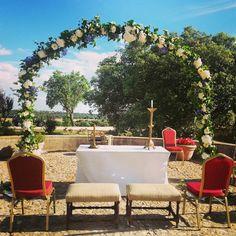 Arco de flores en ceremonia civil
