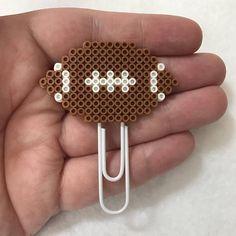 Football Planner Clip or Magnet Diy Perler Beads, Pearler Beads, Fuse Beads, Pearler Bead Patterns, Perler Patterns, Beaded Bookmarks, Iron Beads, Melting Beads, Paper Hearts