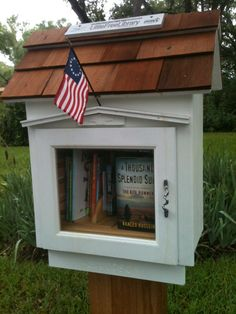 Deco idea: Add an American flag to it Little Free Libraries, Little Library, Free Library, Library Ideas, Growing Up Book, The Kite Runner, Library Website, Lending Library, Book Storage