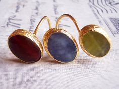 Handmade gold plated ring with triple agate with green, blue, red colour by GardenOfLinda on Etsy