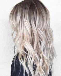 19 Pretty blonde ombré hair color ideas - Blonde ombré hair color #haircolor #balayage