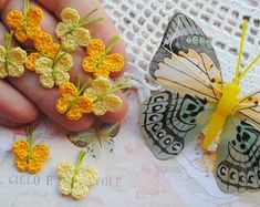 Crochet Appliques for your crafts. Dollhouse miniatures by SiniCrochet Crochet Sunflower, Crochet Butterfly, Crochet Flowers, Tiny Flowers, Colorful Flowers, Flower Applique, Handmade Items, Handmade Gifts, Flower Decorations