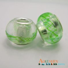 $1.39    Clear with Green Drawing Beads Lampwork Millefiori European Glass Charms http://www.eozy.com/clear-with-green-drawing-beads-lamp-work-millefiori-european-glass-charms.html