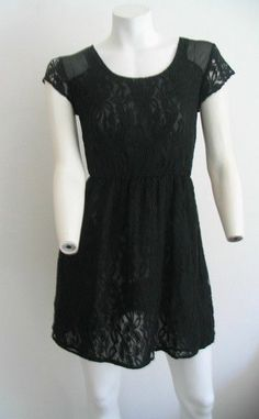 MONTEAU  Black Lace Cinched Waist Lined Cap Sleeves Size M