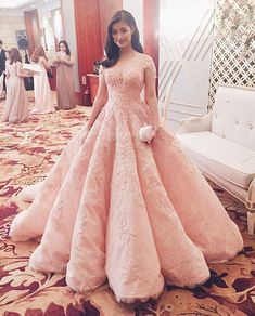 Michael Cinco - worn by Liza Soberano (a)