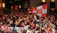 Independiente - Banderazo en Rosario, Mas info acá: http://www.soydiablo.com.ar/2012/06/gran-recibimiento-de-la-gente.html