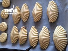 Mussel cookies with chocolate inside Moroccan Desserts, Turkey Cake, Joy Of Cooking, Candy Cookies, Pastry And Bakery, Artisan Bread, Perfect Food, No Bake Desserts, Mousse