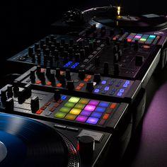 Native Instruments Traktor Kontrol F1 « DJ-Controller