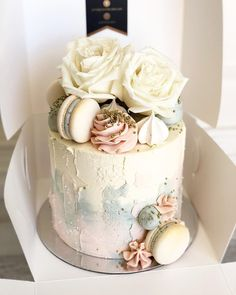 My gender reveal cakes are receiving lots of love these days! Thankyou to all the beautiful mamas-to-be! Pretty Cakes, Beautiful Cakes, Amazing Cakes, Elegant Birthday Cakes, Birthday Cakes For Women, Ice Cake, Cake Business, Cake Makers, Little Cakes
