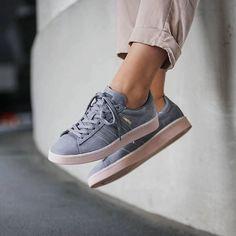 12 modi per essere felici mamma pinterest grey le scarpe da ginnastica, grey e adidas