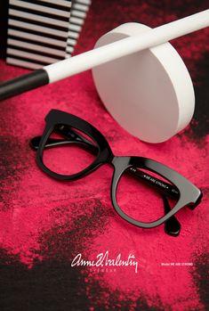 Anne et Valentin Eyewear - Model WE ARE STRONG