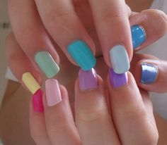 What could be better than staying beautiful without having to spend some extra dollars? Here are 11 great budget beauty tips you deserve to know. Nail Designs 2014, Nail Polish Designs, Summer Nail Polish, Summer Nails, Pink Summer, Gem Nails, Hair And Nails, Holiday Nails, Christmas Nails