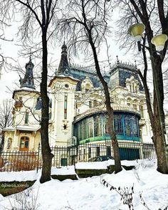 Crețulescu Palace is a historic building near the Cișmigiu Gardens on the Știrbei Vodă street nr. 39 in Bucharest #Romania #architecture #beautiful.