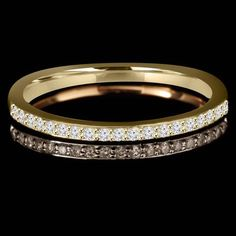 Simple and classy. Yellow gold wedding ring #diamonds #wedding #bride #marryme #ido