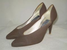 Vintage Stuart Weitzman Pumps 8 B Brown Fabric Sculpted Sides Leather Sole Spain