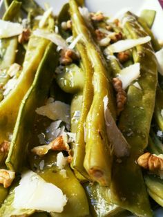 TACCOLE al MIELE, NOCI e PECORINO | Cooking Time, Hot Dogs, Food And Drink, Ethnic Recipes, Sweet, Food Ideas, Candy