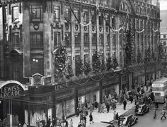 Christmas decorations put up at the Lewis's store in Manchester in 1949 History Manchester, Manchester Library, Manchester City Centre, Manchester New, Manchester England, Birmingham City Centre, Birmingham Uk, Bolton England, Victorian