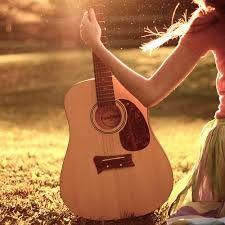 Sasha leert haarzelf gitaar spelen en schrijft ook zelf een liedje over haar gevoelens. Dit liedje zingt ze samen met de andere meisjes en Rose op het einde bij een concert om de wereld te laten zien dat alles weer goed is tussen hen.