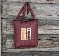 Skulderveske i skinn / Shoulder bag in leather Mittens, Shoulder Bag, Leather, Baggers, Fingerless Mitts, Shoulder Bags, Fingerless Mittens, Gloves