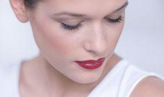 Lippenstift richtig auftragen für den Tages- und Abendlook.  #lorealparisde #tutorial #makeup