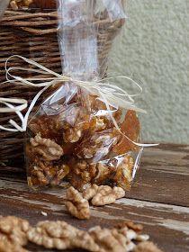 Kouzlo mého domova: Vlašské ořechy ve slaném karamelu Christmas Sweets, Christmas Baking, Christmas Cookies, Luxury Food, Food Humor, Food To Make, Almond, Stuffed Mushrooms, Food And Drink