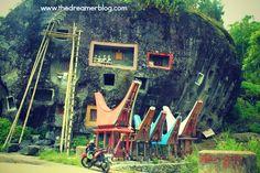 Kuburan Batu Lokomata - Toraja