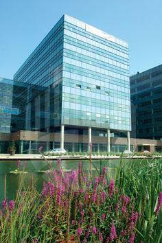 Spielberk Office Centre nabízí všechno, co firmy i zaměstnanci potřebují - veškeré moderní pohodlí, skvělou polohu u centra Brna a vynikající občanskou vybavenost.