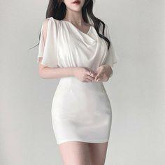 Kpop Fashion Outfits, Girls Fashion Clothes, Edgy Outfits, Korean Outfits, Cute Casual Outfits, Girl Outfits, Korean Clothes, High Fashion Dresses, Korean Girl Fashion