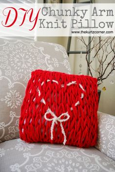 Arm Knitting A Valentine's Day Pillow