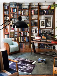 The desk is too blended, but the space is warm and inspiring... I'd love a bigger desk here with some 'solidity' to it.