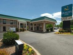 Goodlettsville (TN) Quality Inn United States, North America Quality Inn is a popular choice amongst travelers in Goodlettsville (TN), whether exploring or just passing through. The hotel has everything you need for a comfortable stay. To be found at the hotel are Wi-Fi in public areas, car park, pets allowed. All rooms are designed and decorated to make guests feel right at home, and some rooms come with air conditioning, wake-up service, desk, alarm clock, telephone. The hot...