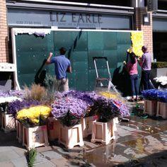 Work begins on a glorious London weekend at the Liz Earle store | Chelsea in Bloom 2014 | #NaturallyBlooming