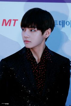 •161116 TAEHYUNG #BTS @ Red Carpet of Asia Artist Awards || Blood Sweat & Tears