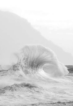 58 Ideas black and white nature photography ocean No Wave, Gray Aesthetic, White Wallpaper, Shades Of White, Ocean Waves, Beach Waves, Beach Bum, Photos, Pictures