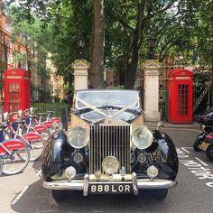 Beautiful Rolls Royce parked outside Mount Street Gardens today #rollsroyce #mayfairlife #wedding #mountstreetgardens #london